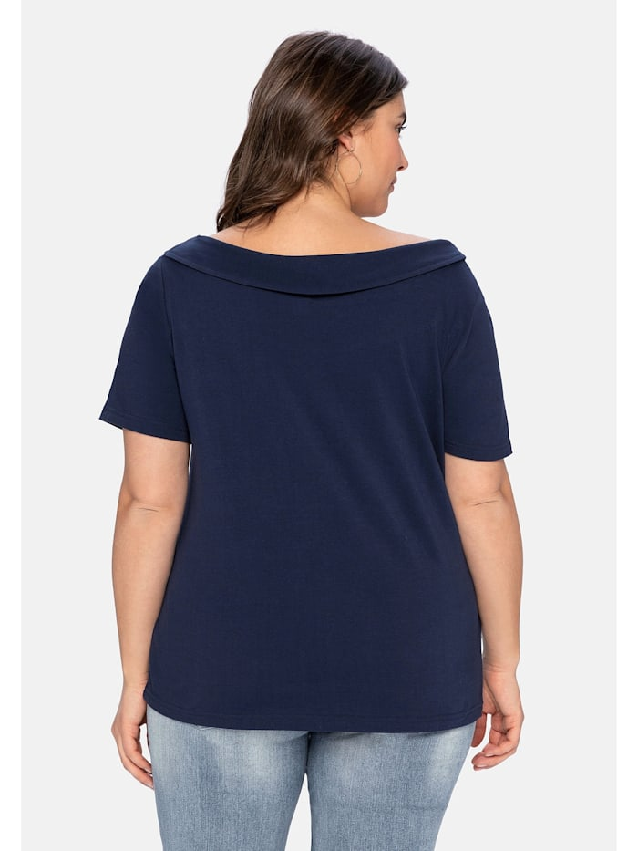 Shirt mit weitem Ausschnitt und schmalem Kragen