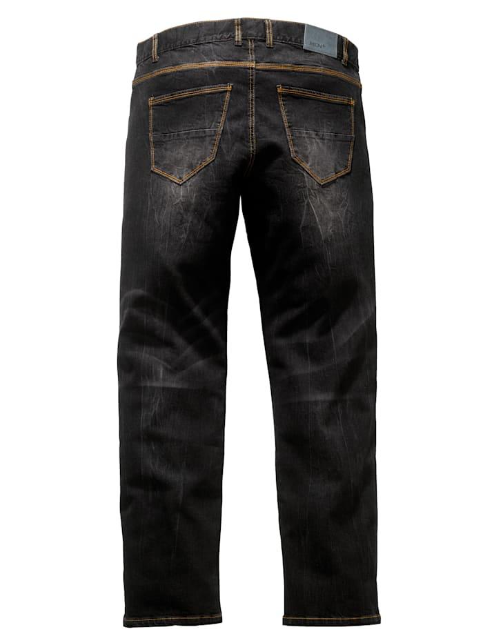Jeans med specialskärning som ger plats för magen