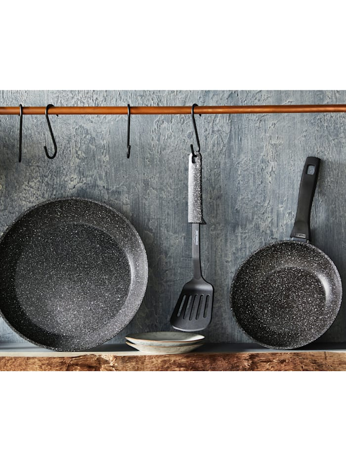 Pannesett med stekespade