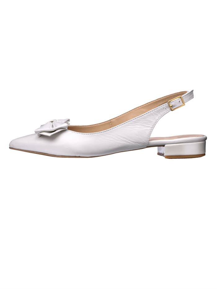 Slingback shoes with bow embellishment