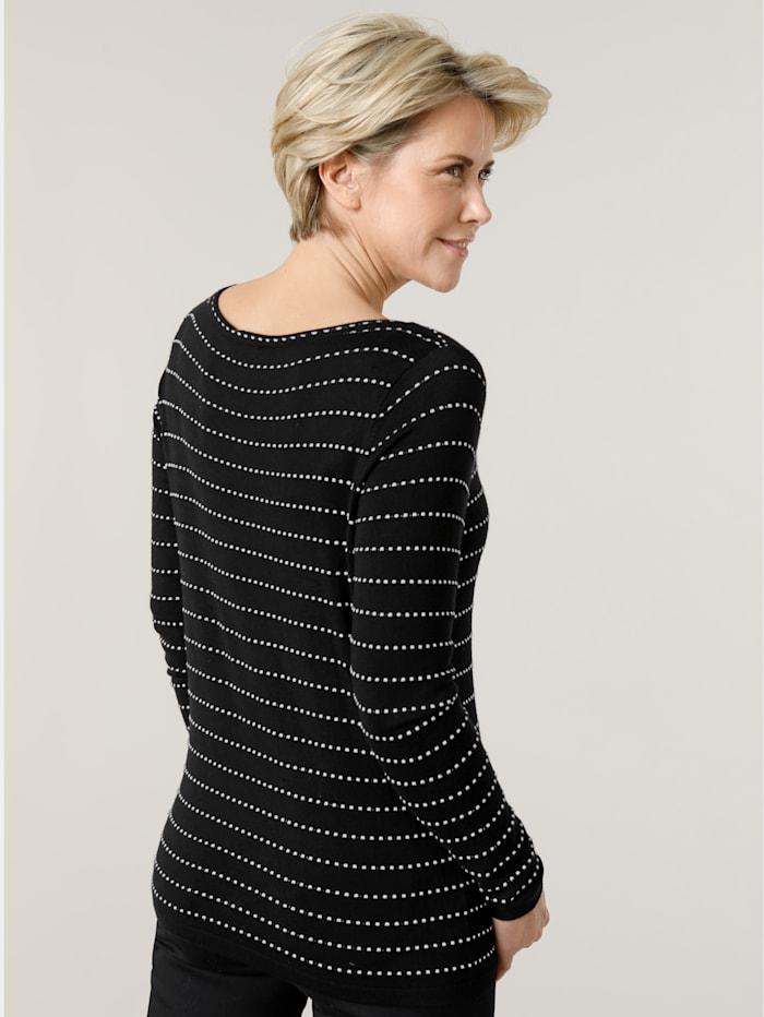 Pullover im Strich- Linien Dessin