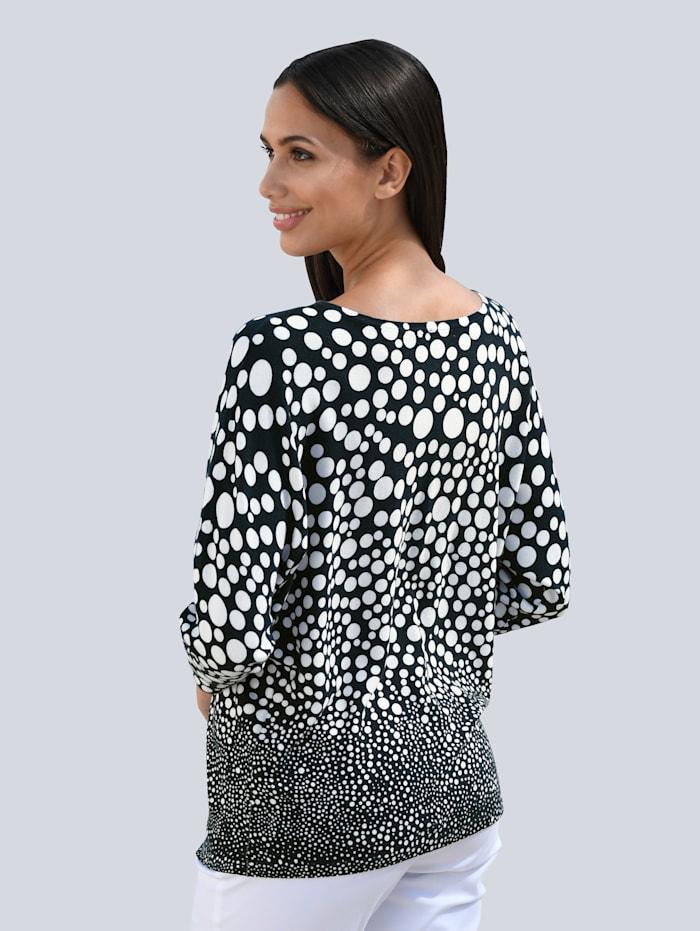 Pulovr v módní siluetě