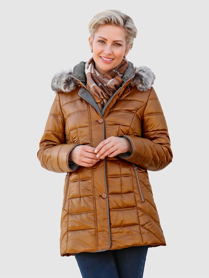 Doorgestikte jas met stijlvolle glans
