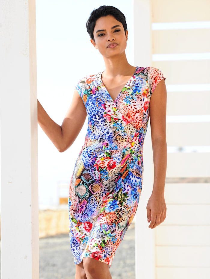 Strandkleid in sommerlichen Farben