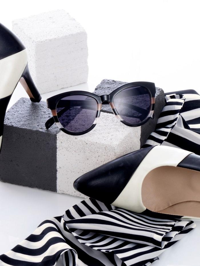 Solglasögon med randigt mönster