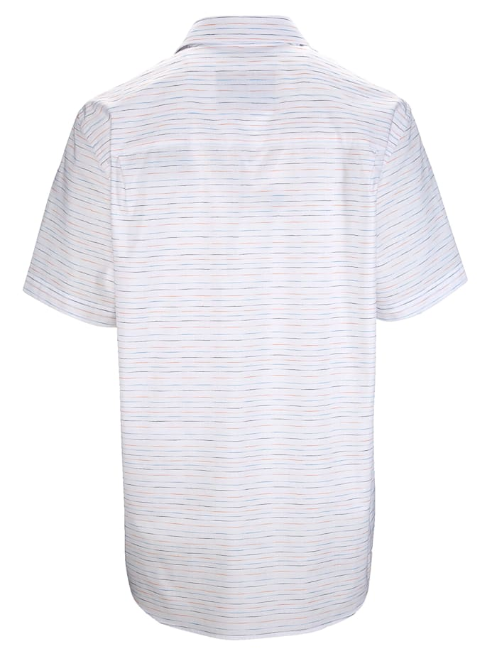 Košile v jemném proužkovaném vzhledu