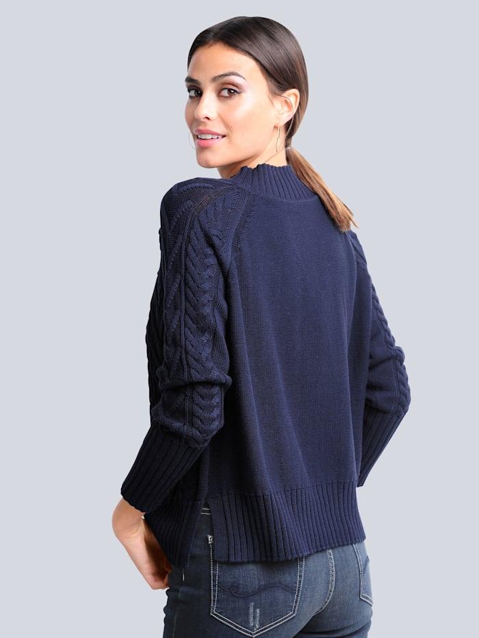 Pullover mit modischem Zopfmuster allover
