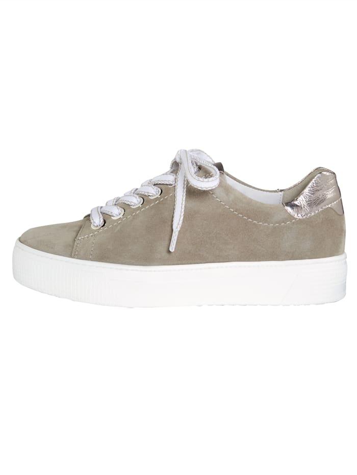 Šnurovacia obuv s módnou platformovou podrážkou