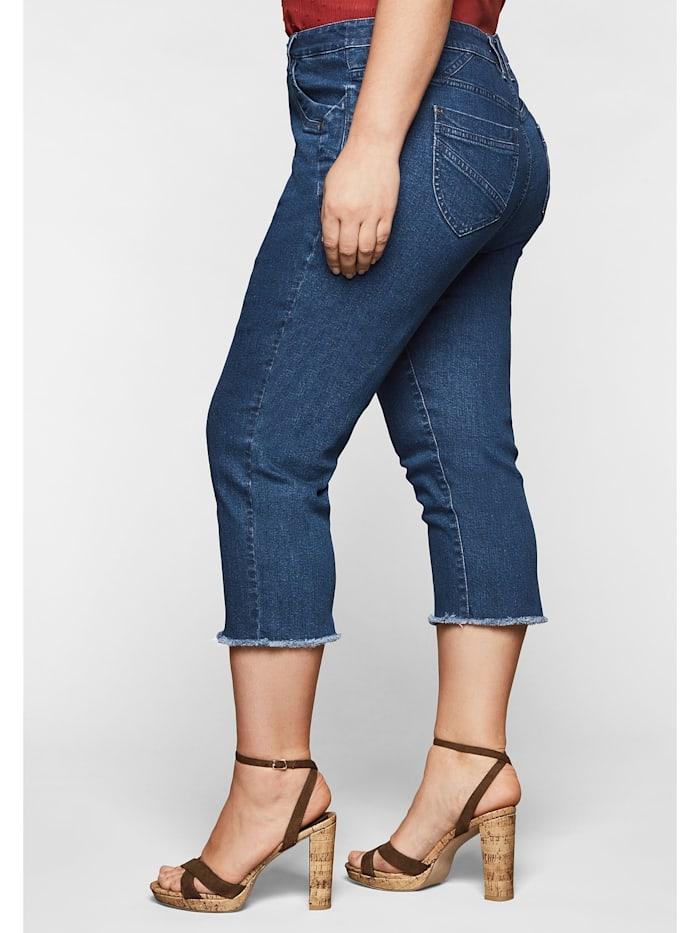 Jeans mit Fransen am Saum