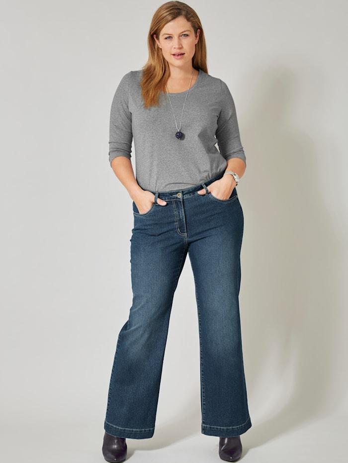 Utställda jeans