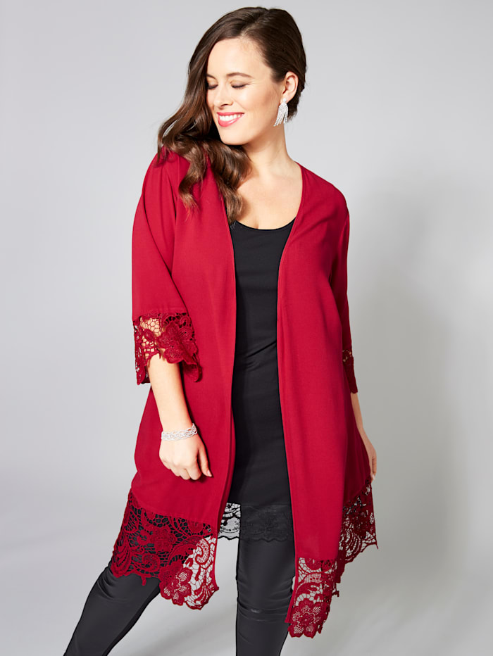 Kimono mit Spitze