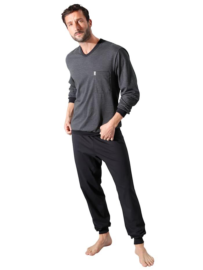 Pyjamas i härligt material