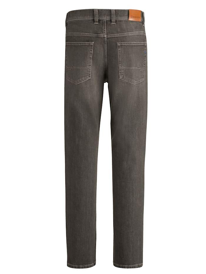 Jeans med färgade effekter