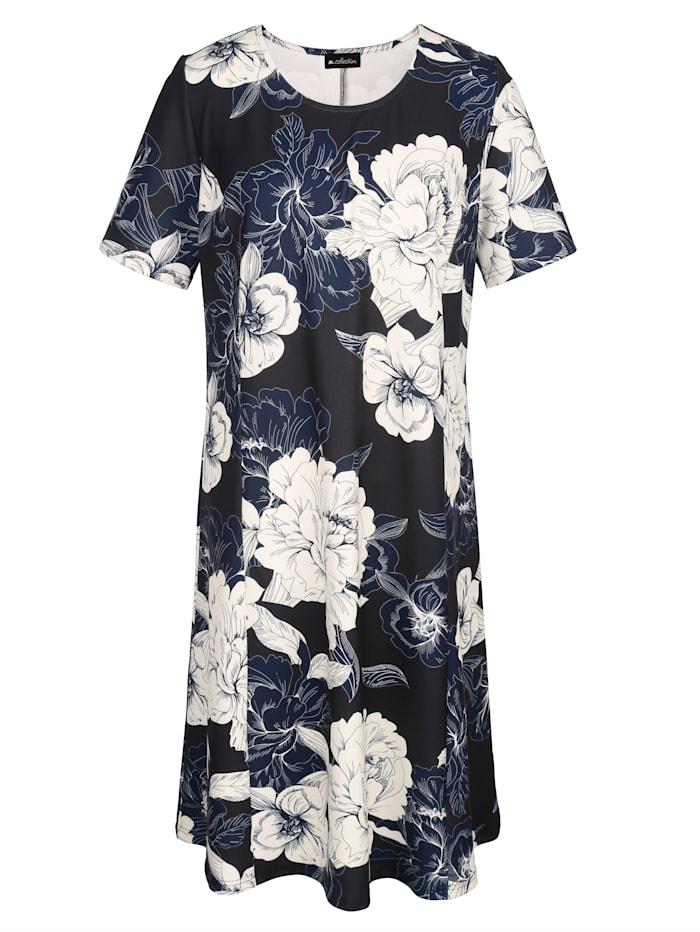Ruusukuvioitu mekko