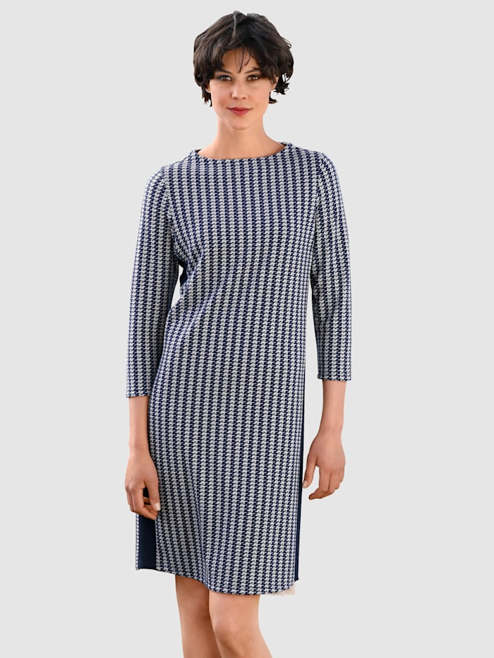 Dress In Kleid mit angedeutetem Kragen, Marineblau