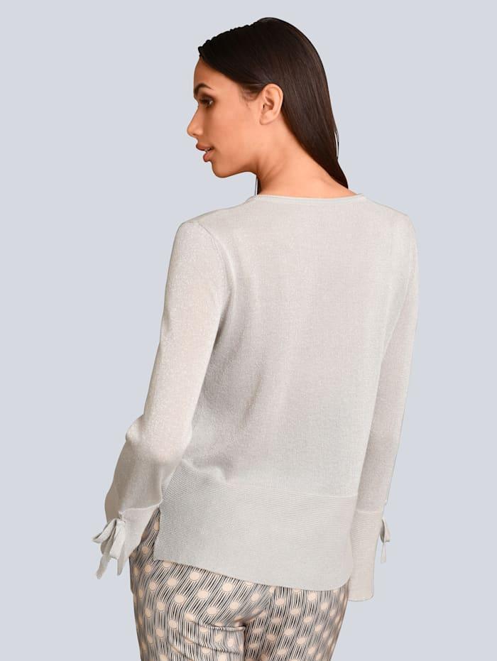 Pullover dezent mit Glanzgarn gearbeitet