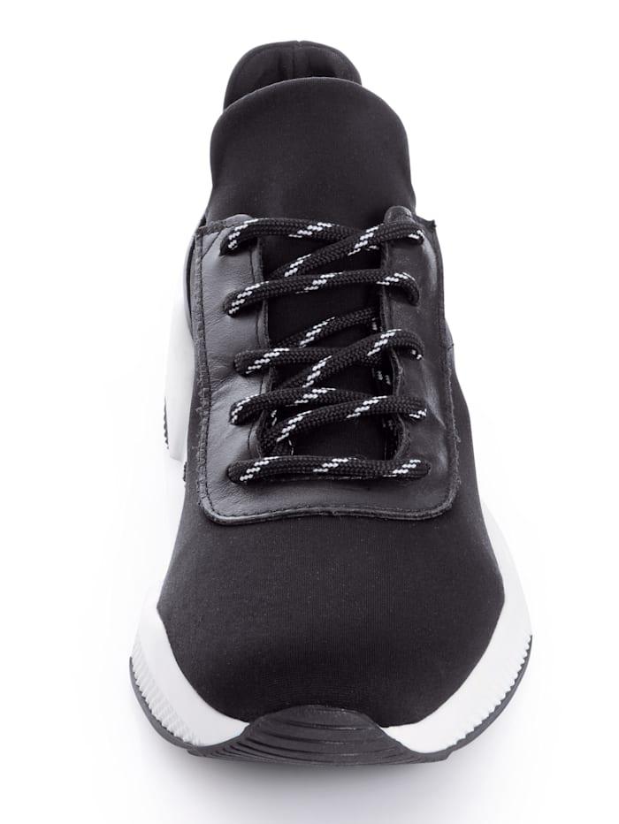 Sneaker im markanten Style
