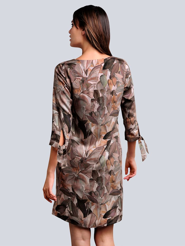 Kleid allover im abstrakten Blätter-Dessin