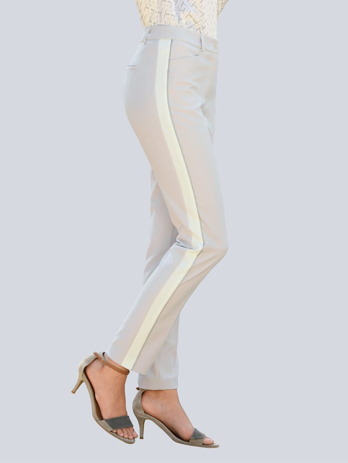 Pantalon à galons sur le côté des jambes