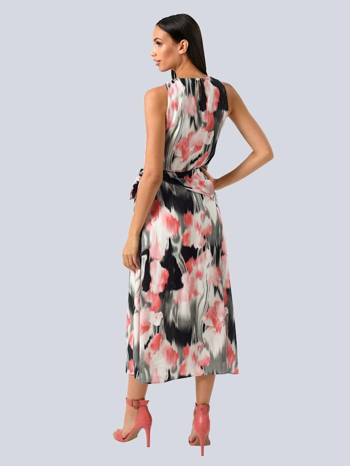 Kleid im modischen Dessin allover