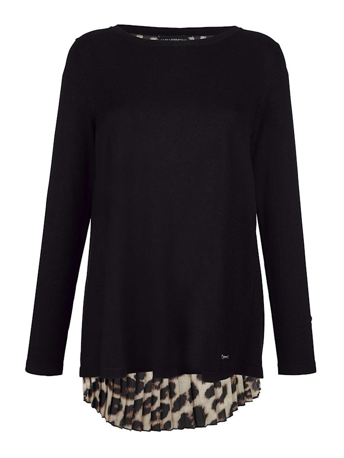Pullover im Layerlook mit Leomuster und Plisseefalten
