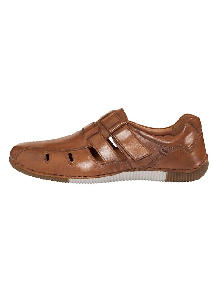 Klittenbandschoen met zomerse perforaties