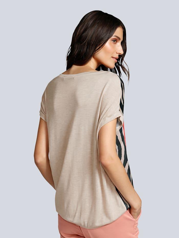 T-Shirt im Vorderteil aus fließender Webware