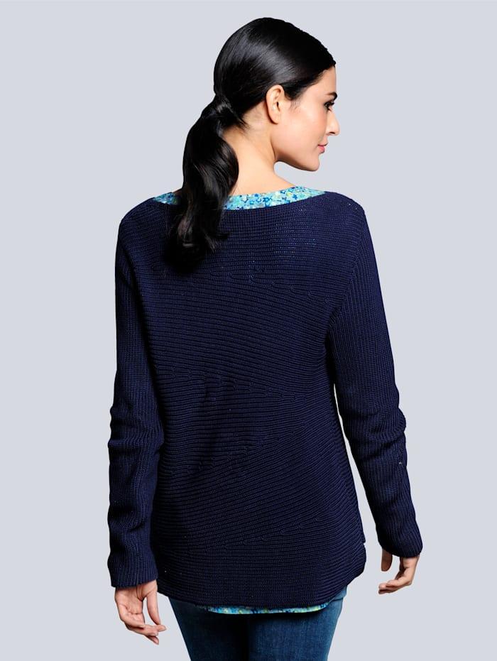 Pullover mit raffinierten Minderungen im Strickbild