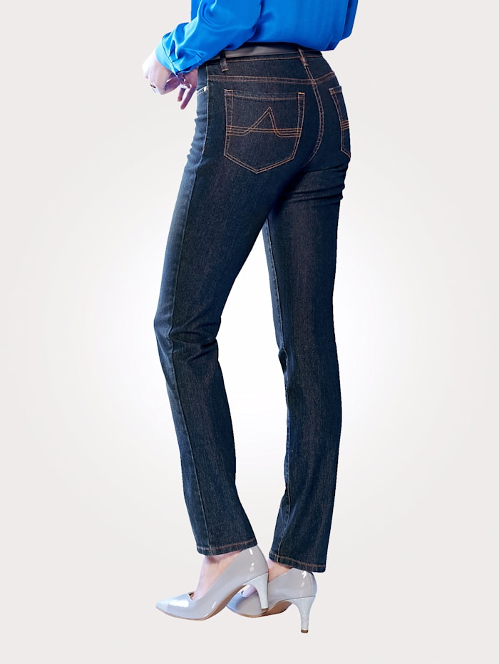 Jeans in a 5-pocket style
