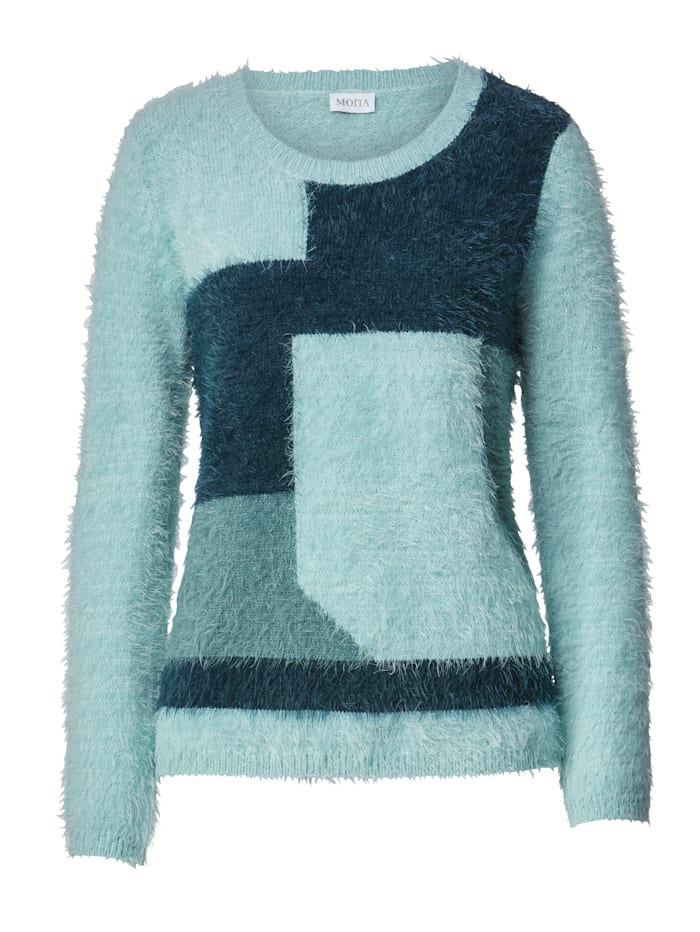 Jumper made from a fluffy yarn