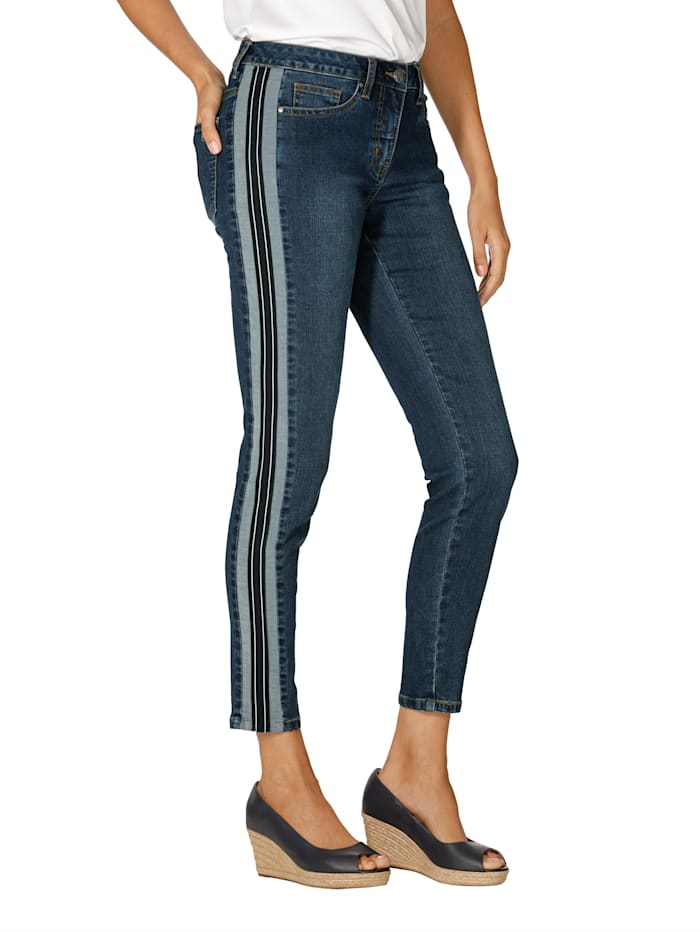 Jeans met opgestikte sierstreep opzij