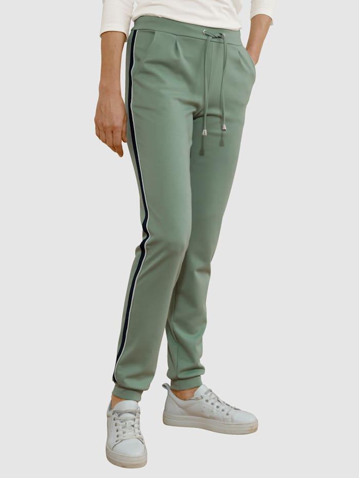 Dress In Hose mit Tapedetail, Salbeigrün