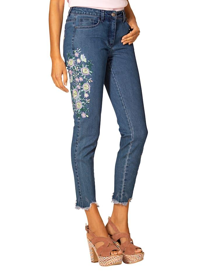 Jeans mit Blumenstickerei und ausgefranstem Saum