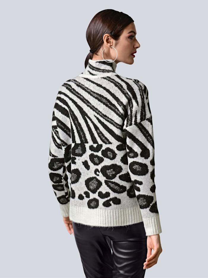 Pullover im neu designten Animalmustermix