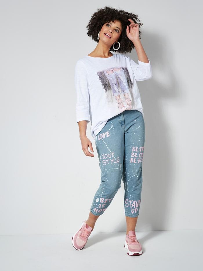 Jeans mit Farbspritzern und Schriftzug Prints