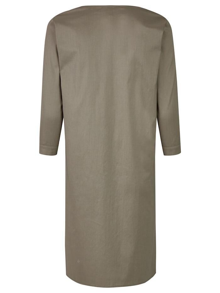 Elegantes Kleid mit tunesischem Kragen
