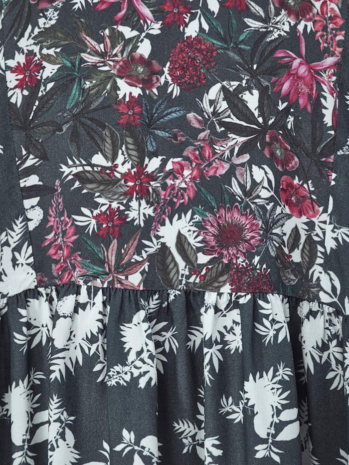 Tunika-Bluse in kaschierender Schnittform