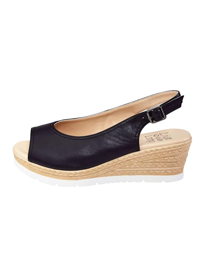 Sandaaltje met elastische onder de gesp