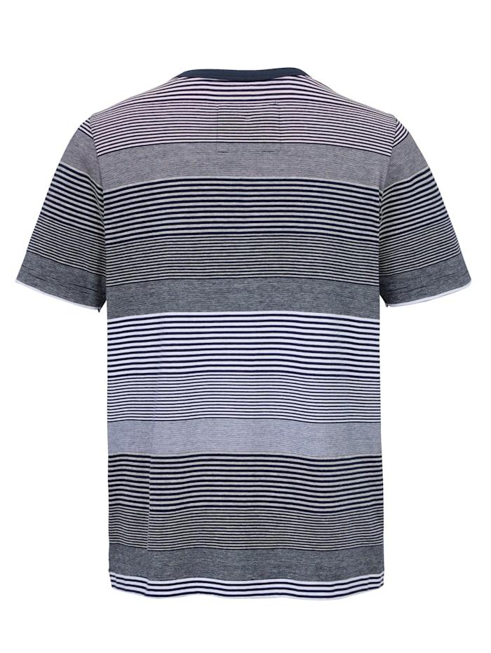 Tričko s vyšitým motívom a nášivkou