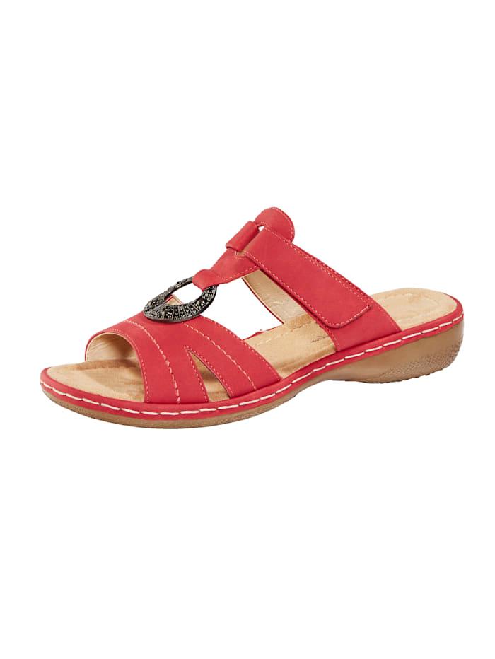 Leveälestiset sandaalit