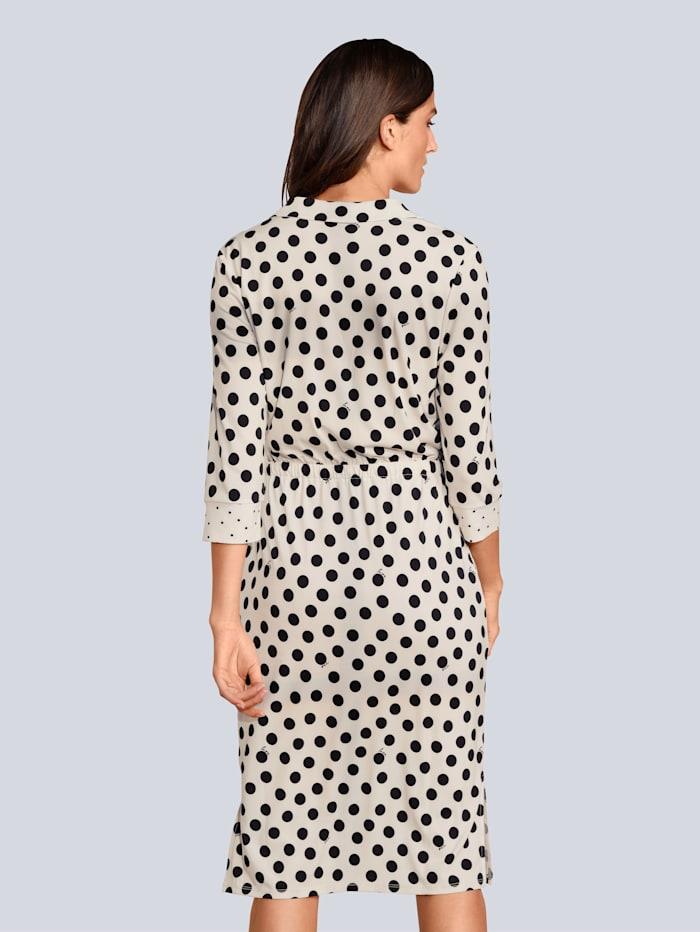 Kleid im Punktedessin