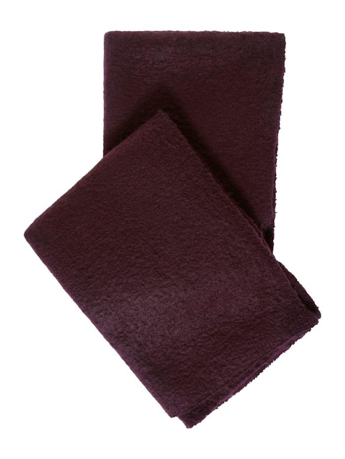Kuscheliger Bouclé-Schal