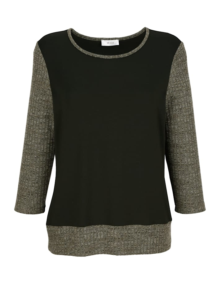 Top with scarf in a versatile design