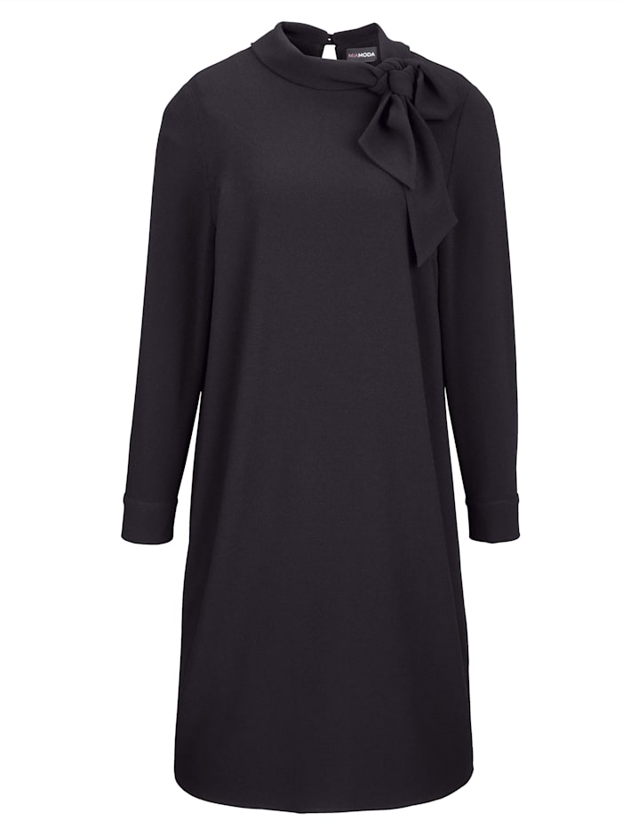 Kleid in elegant gerader Form
