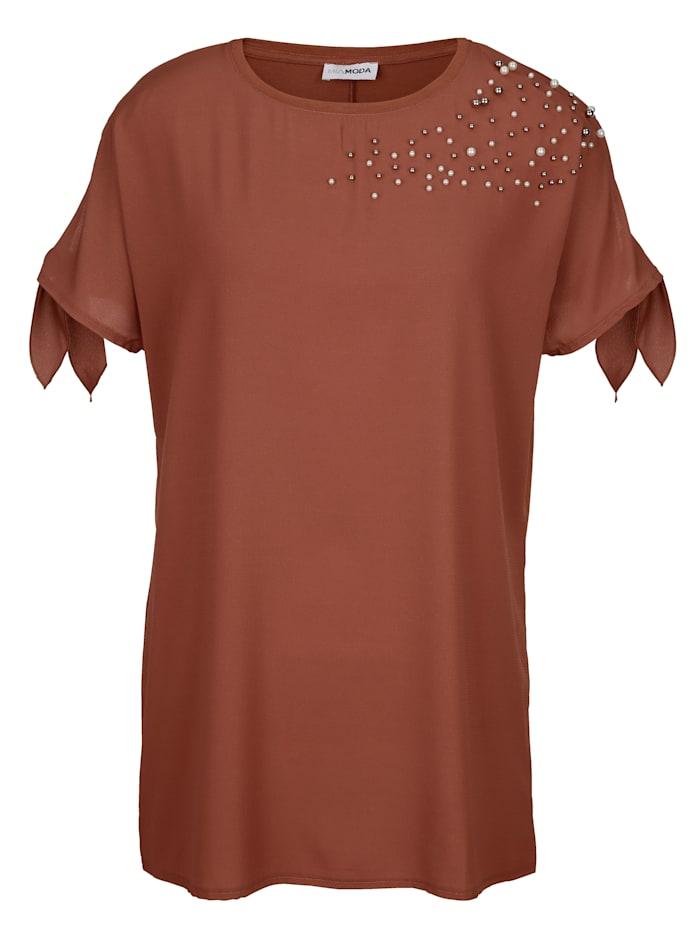 Shirt im Vorderteil aufwendig mit Perlen besetzt