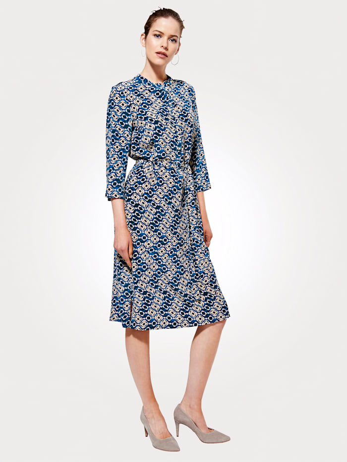 Artigiano Silk dress in a luxe cut, Multi