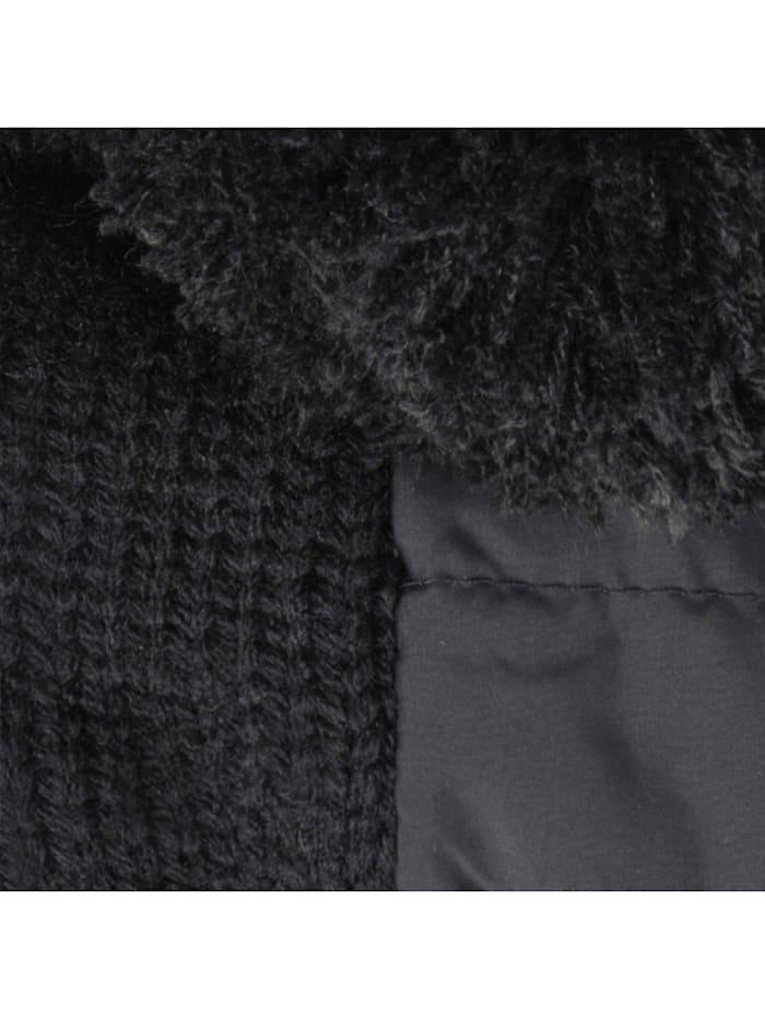 Pompon-Mütze im Materialmix