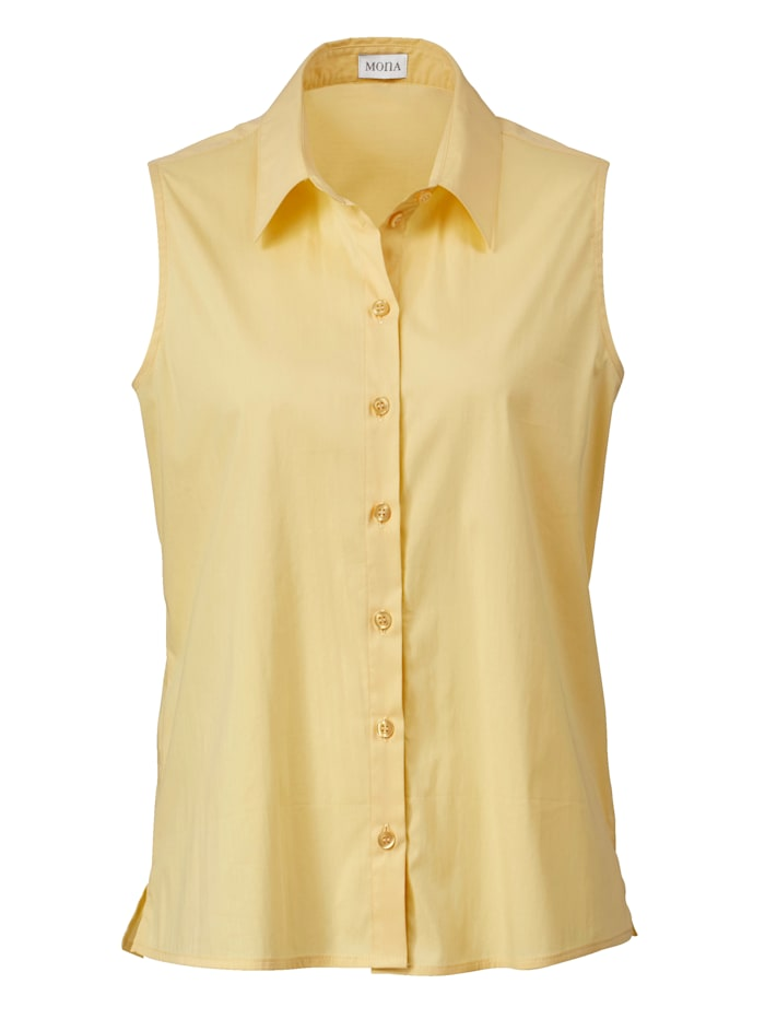 Top made from a cotton-rich fabric
