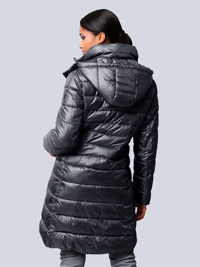 Prošívaný kabát v hodnotném vypracování