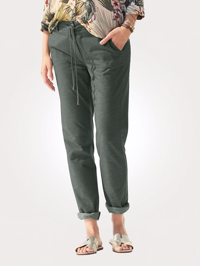 MONA Trousers with an easy tie waist, Olive